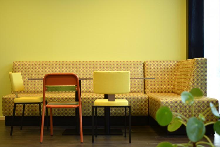 davant_collectie_officecollection_betaloungebank_panaz_patternistas_addproductsbydavant_stoel_tafel_op_maat